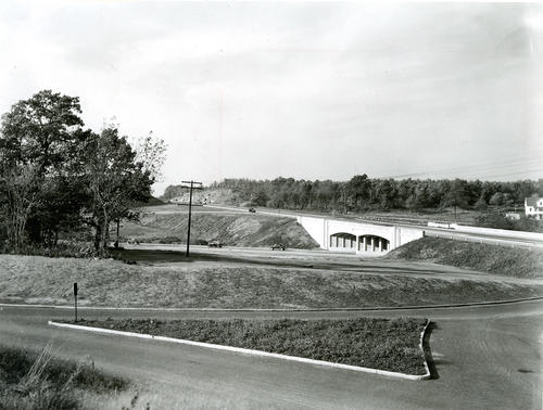 Louisquisset Pike and Washington Highway interchange - Washington Highway under