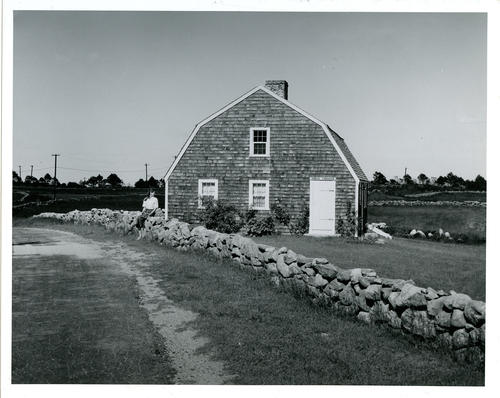 "Reproduction of ""Smilin Through"" cottage"