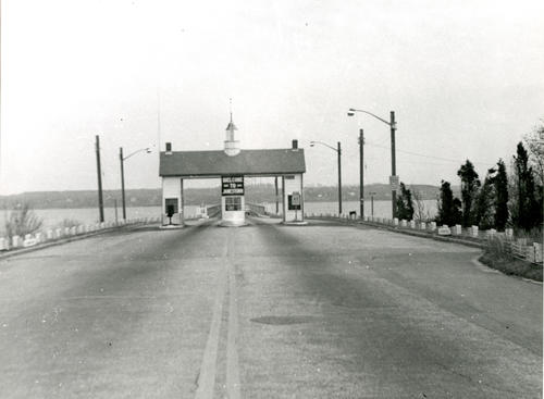 Jamestown Bridge, Toll Gate