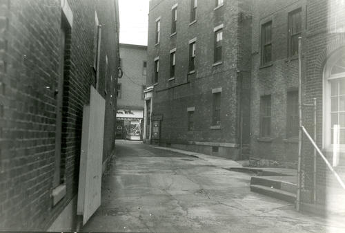 Looking East to Thames Street from Sullivan's Coal Yard office