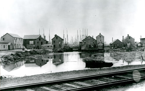 The Basin, Newport
