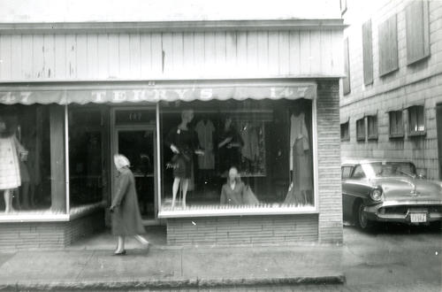Thames Street - Terry's Store Window