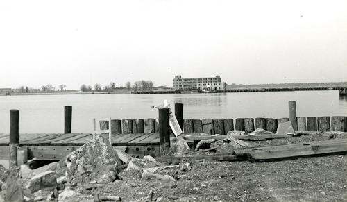 Goat Island, Newport from Leo's Dock - Washington Street