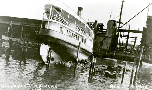 Steamer Westport, Hammett's Wharf; Aground after Hurricane