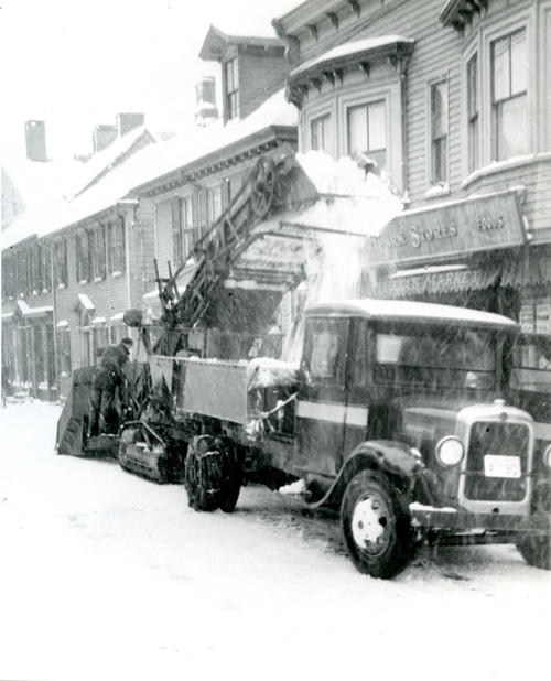 Upper Thames Street, South of Cozzens Court, Newport; Barber Green Snow Loader