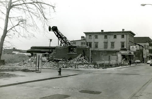 Demolition of Daily News Building