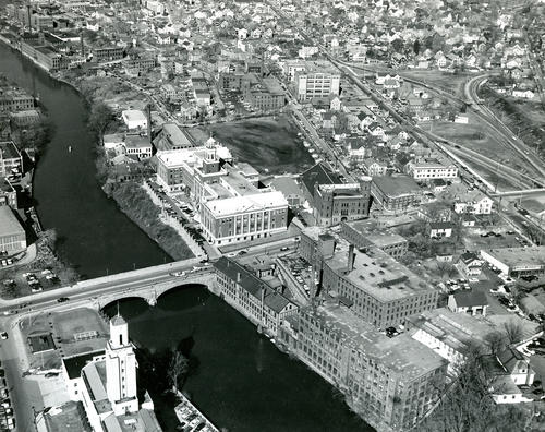 Aerial view of Pawtucket before Rte. 95