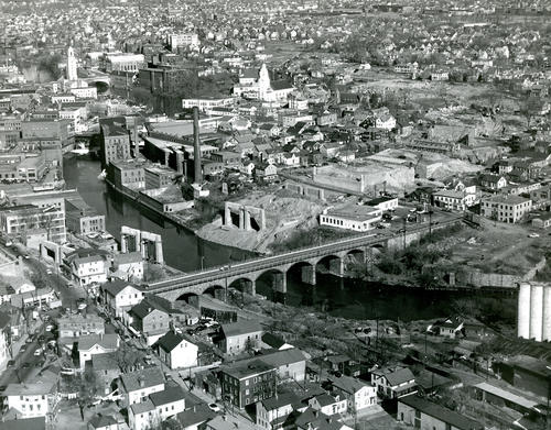 Aerial view of Pawtucket during construction of Interstate 95