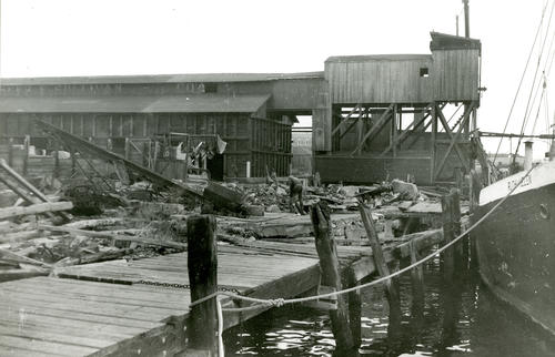 Demolition of Seaconnet River Fish Co., Sherman's Wharf