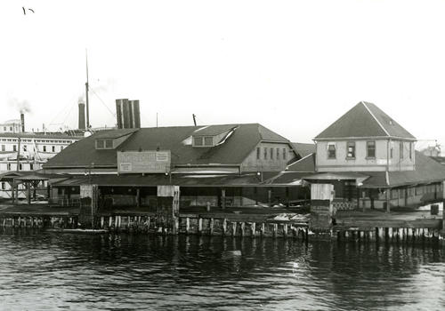 Foot of Long Wharf, Newport
