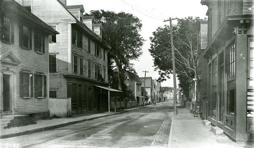 Bridge Street from Washington, Newport