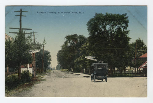 Railroad crossing at Warwick Neck