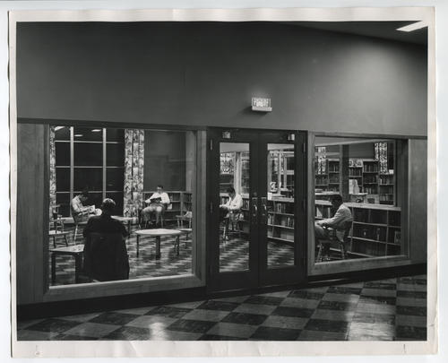 Providence Public Library, Smoking and reading lounge